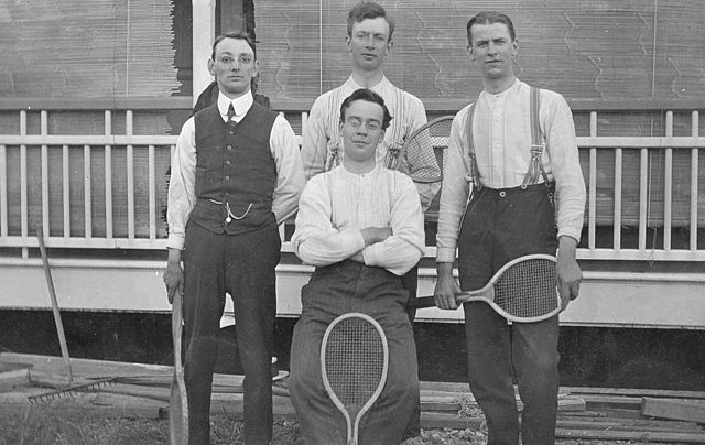 StateLibQld_2_298203_Methodist_Home_Mission_tennis_players_from_England_in_Brisbane,_1912