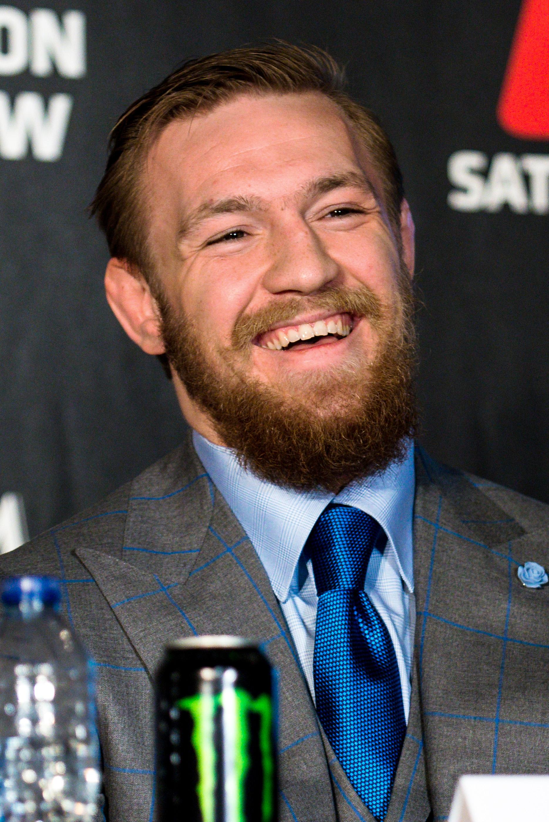Conor_McGregor,_UFC_189_World_Tour_London_(2)